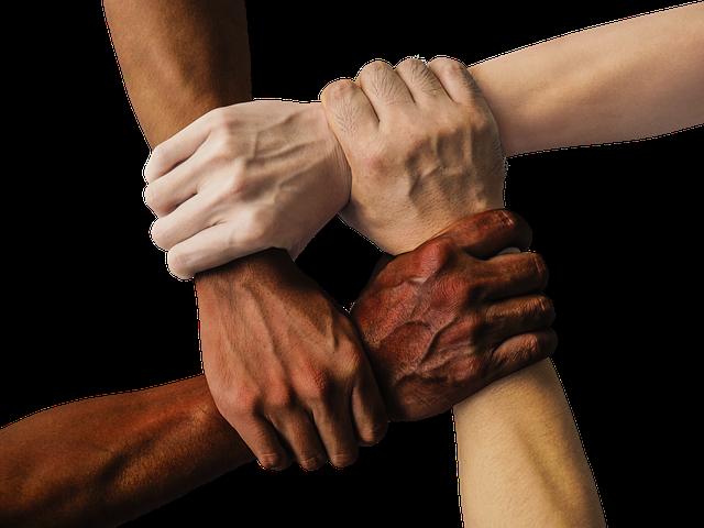 spolupráce by měla být mezi všemi